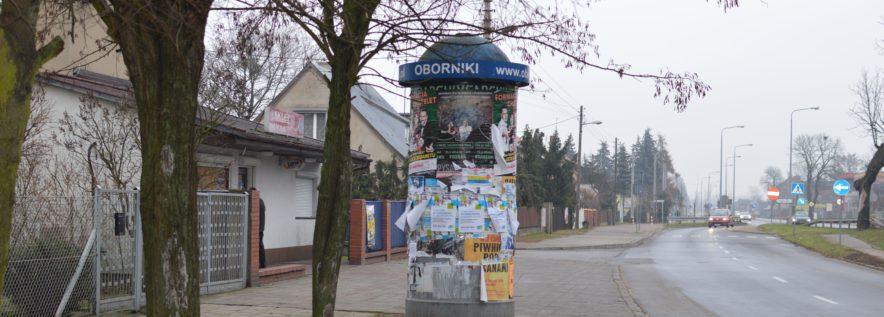 Wieszanie plakatów na słupach ogłoszeniowych należy ustalić z PGKiM!