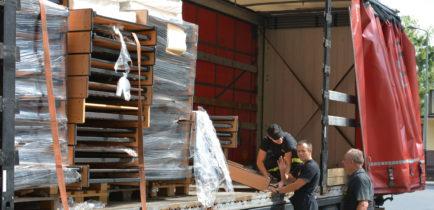 Aktualności - 100 łóżek trafiło do obornickiego oddziału PCK!