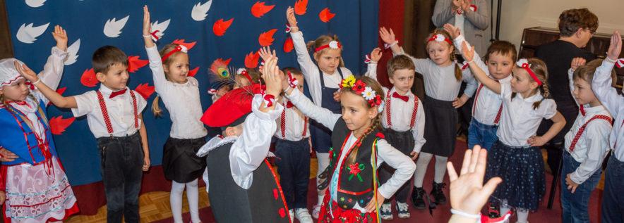 Przedszkolaki uczciły 100. rocznicę odzyskania niepodległości