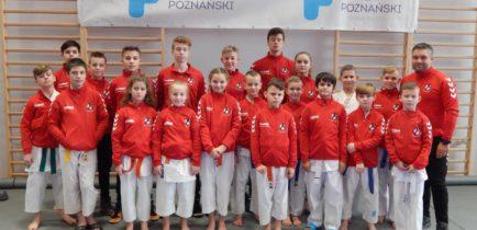 Aktualności - 37 medali obornickich karateków na zakończenie roku startowego